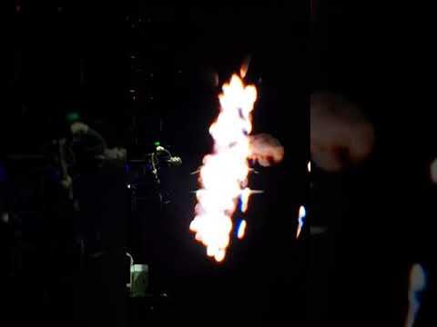Noel Gallagher - Dead in the Water @...