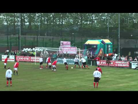 Daventry Town FC vs Manchester United Legends - 20th May 2012