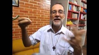 PAPA FRANCISCO RECEBE PRESENTE REGIONAL DE DOM ESMERALDO BARRETO DE FARIAS NA JMJ