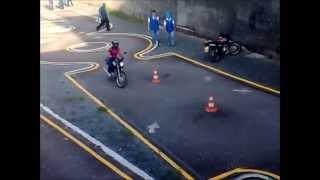Prova pratica de moto no Detran em Cariacica