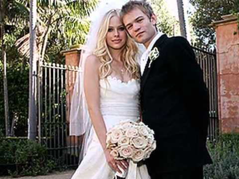 Avril Lavigne & Deryck Whibley kissing compilation