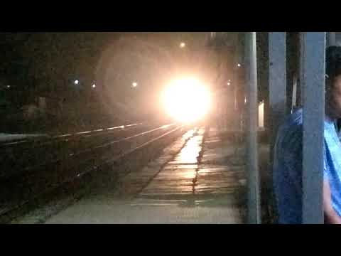 Rajkot Rewa Superfast Express Train - 22937