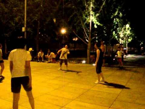 """JIANZI (毽子) Playing Jianzi in Beijing """"Traditional sport of China and Asia"""""""