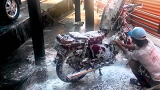 Cuci motor salju