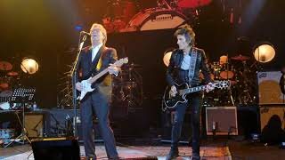 Eric Clapton and Ronnie Wood - Badge 2020 - A Tribute to Ginger Baker Eventim Apollo