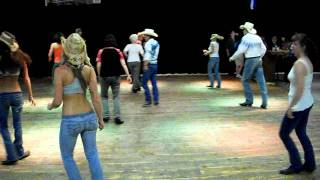 Country girl (shake it) By: Luke Bryan. line dance