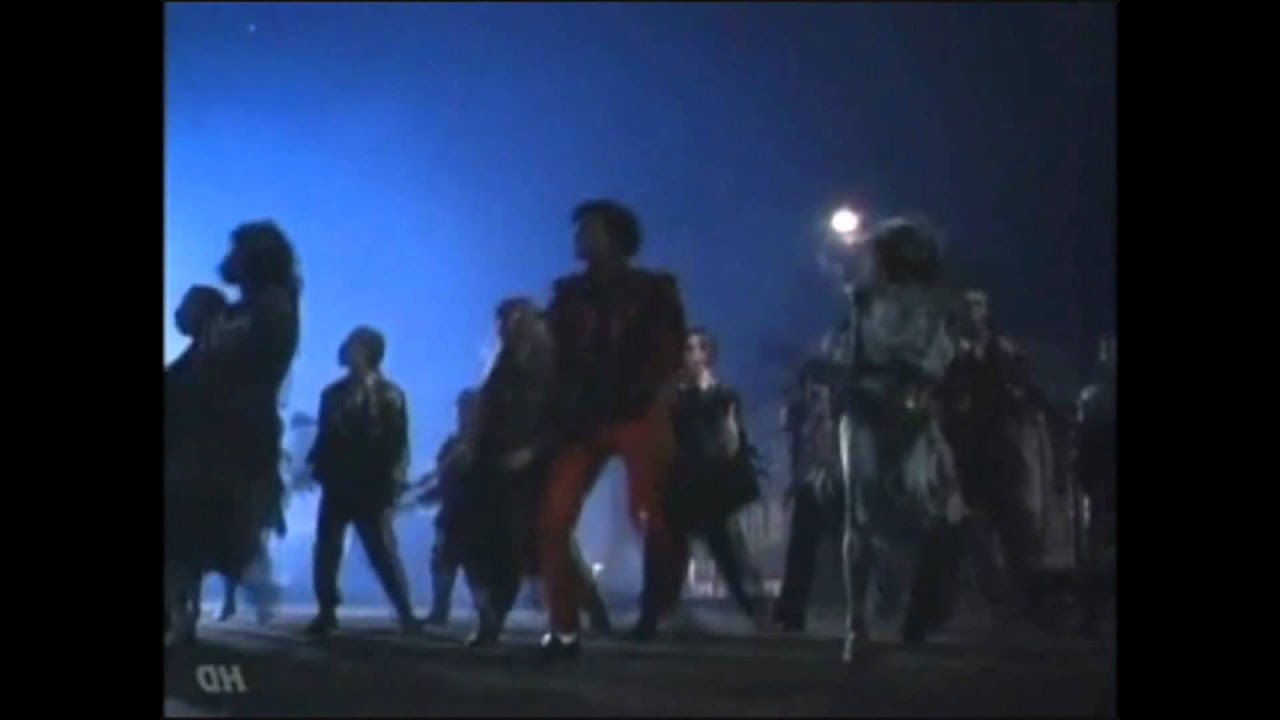 "Michael Jackson's ""Thriller"" Dance Routine (Mirror Image ... Michael Jackson Thriller Video Dance"