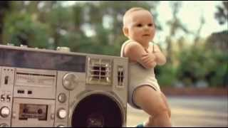 108- CUTE ROLLER SKATE BABIES - VIRAL VIDEO