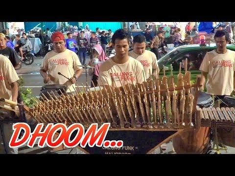 KEREN!! Demo Lagu India DHOOM MACALE dengan Angklung malioboro (Pengamen Jogja Calung Funk)
