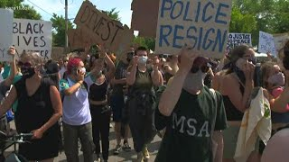 Protesters call on Mayor Frey to defund Minneapolis Police