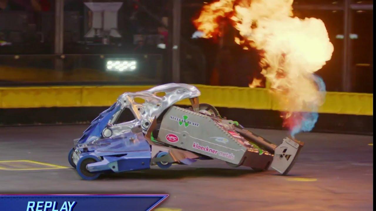 Download Quantum vs Blacksmith - Battlebots Season 4 Episode 1 - Bots Fan