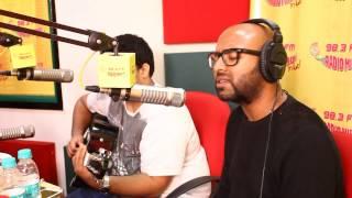 Watch the Badtameez singer Benny Dayal UNPLUGGED at the Radio Mirchi Studio!