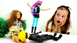 Суперкот и Леди Баг помогают Барби - Игры для девочек