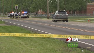 1 teen dead, 1 hurt in shooting near elementary school