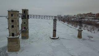 Волга  покрылась льдом.Самара.Речной порт