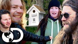 Snowbird deja de lado el orgullo para construir su casa | Alaska: Hombres primitivos