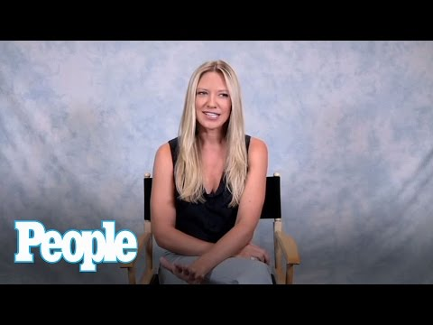 Fringe's Anna Torv Meets Her Most Devoted   People