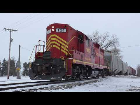 PREX 105 leads a ND&W train in the snow