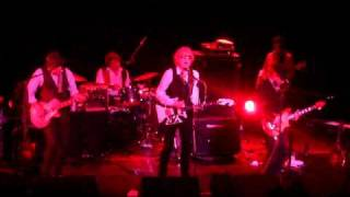 Ian Hunter Walking With A Mountain Live in Newcastle 11 Oct 2010