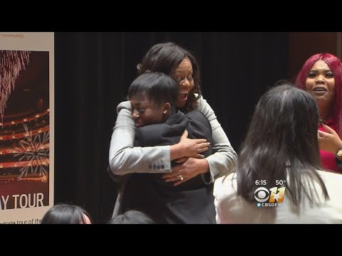 Michelle Obama Makes Surprise Appearance At Girl's Leadership Conference