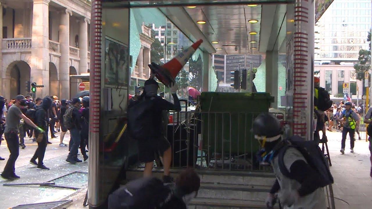 На погромах в Гонконге засветились координаторы беспорядков