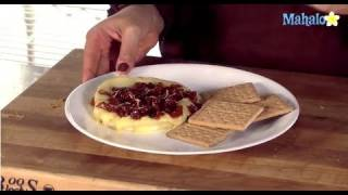 Thanksgiving Recipes: Brie Cheese With Apricot Topping