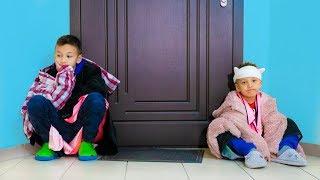 ОСТАЛИСЬ Без Ключей! Где Мы БУДЕМ Ночевать? Kids Playing Pillow Fight