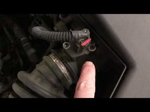 Ford Focus Mass Airflow Sensor Location and Removal
