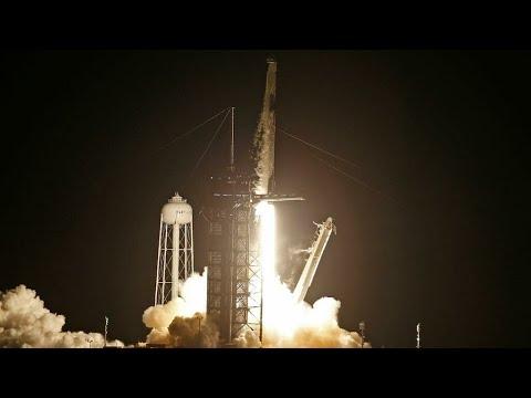 ...إقلاع صاروخ -سبايس إكس- إلى الفضاء في رحلة تاريخية وعل  - 09:57-2021 / 9 / 16