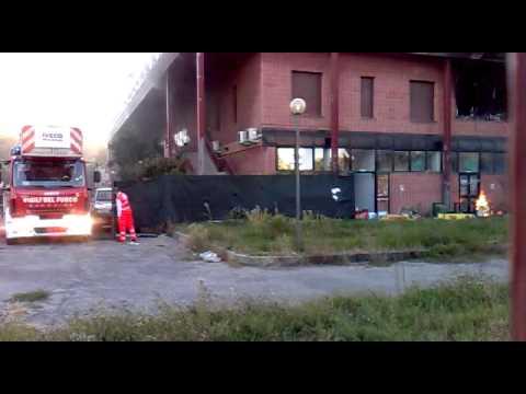 8 ottobre 2011 incendio palazzetto sportivo di via iseo (milano)