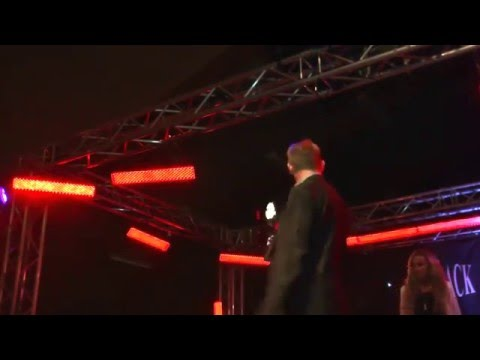 Jarin B optræder i Bredebro Hallen