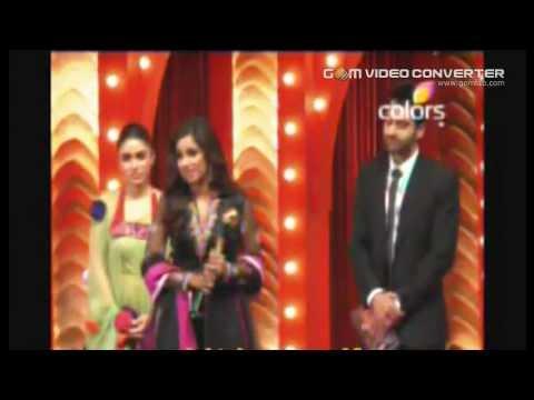 "Shreya Ghoshal Best Singer for ""Teri Meri Prem Kahani"" at GIFTH 2012.mp4"