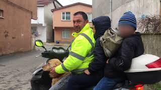 Bir Motosiklette 3 Kişi ve Bir Köpek