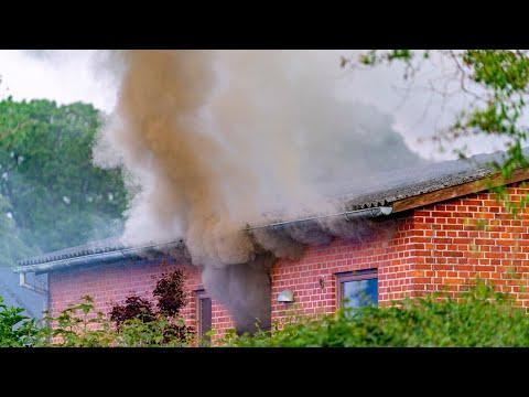 09.06.21 Ældre kvinde reddet ud af brændende villa i Skælskør