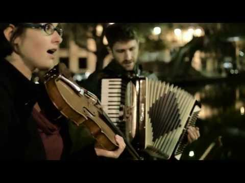 After the Curtain (Beirut cover) - Ictus Pop - Street Music in Paris