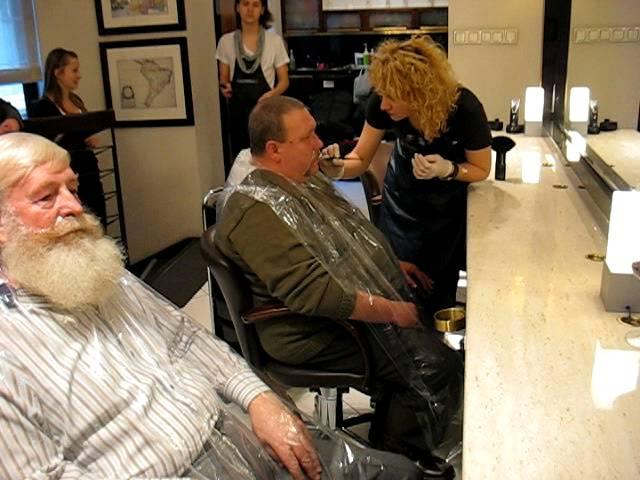 www.mikolaj.info.pl-Mikolaj 2011 w salonie fryzjerskim w Lodzi