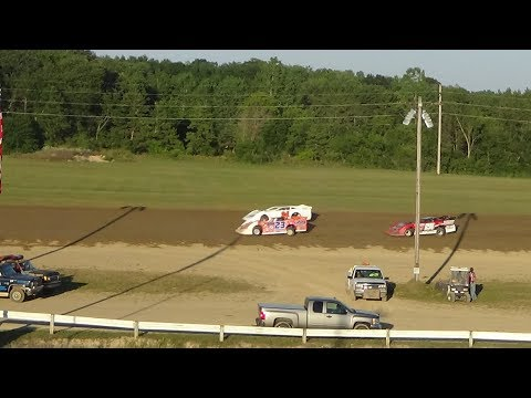 Late Model Heat Race #1 at Crystal Motor Speedway, Michigan on 07-29-2017.