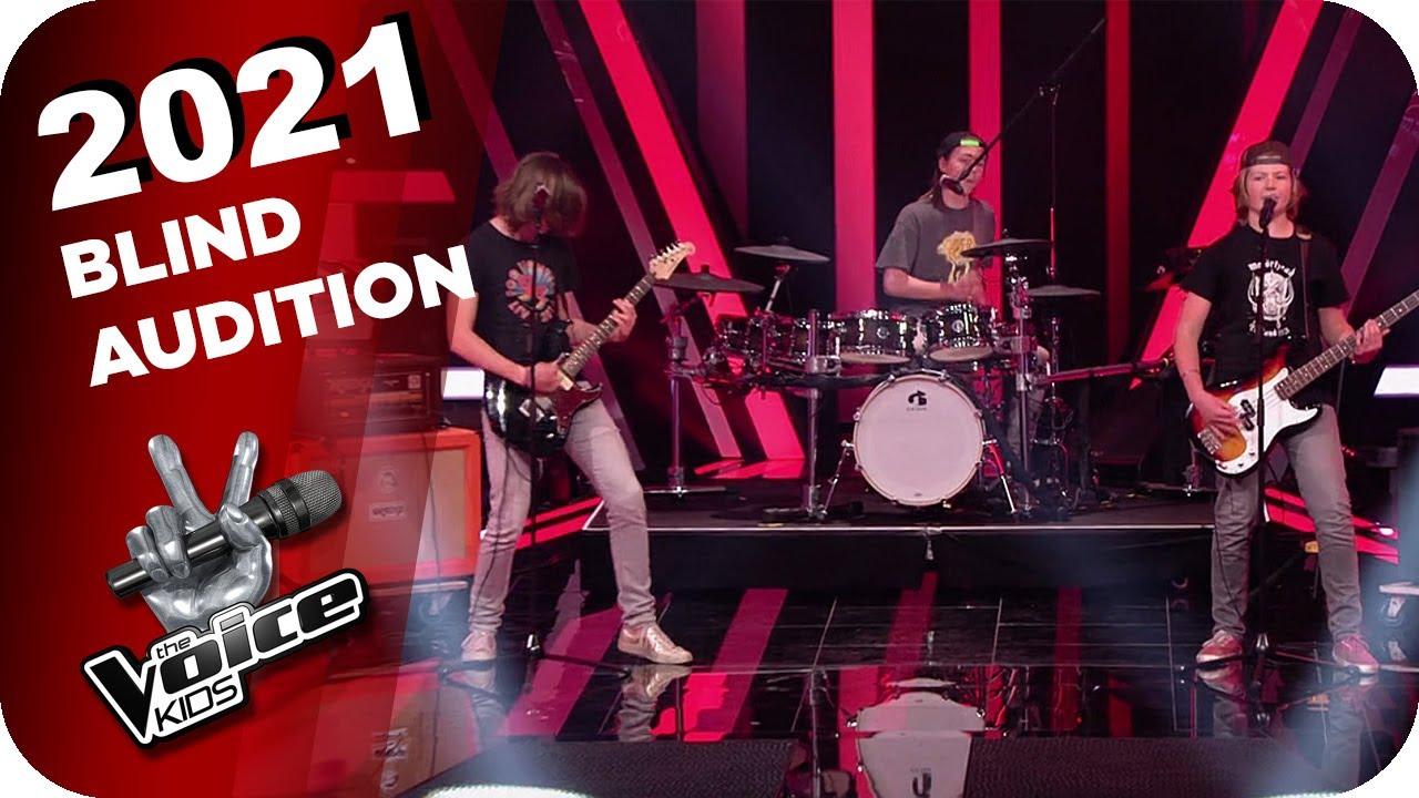 Download Ramones - Blitzkrieg Bop (Batteries of Rock) | The Voice Kids 2021 | Blind Auditions