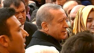 Triumph für Erdogan: AKP erobert absolute Mehrheit in Türkei