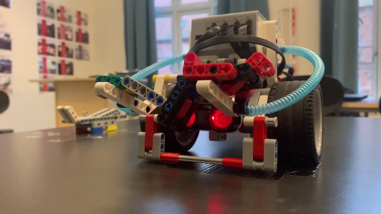 LEGO MINDSTORME projektopgave Valdemar og Sophie