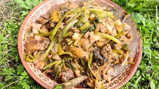 ЖАРЕНЫЙ САЗАН В ПИВЕ В КАЗАНЕ НА КОСТРЕ Кухня Аборигена
