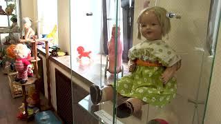 Смотреть видео Выставка советских кукол «Ностальгия» онлайн