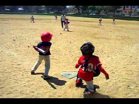 niño beisbolista de 6 años HD - YouTube
