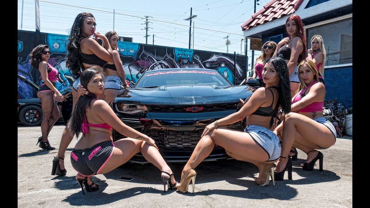 sexy women on cars