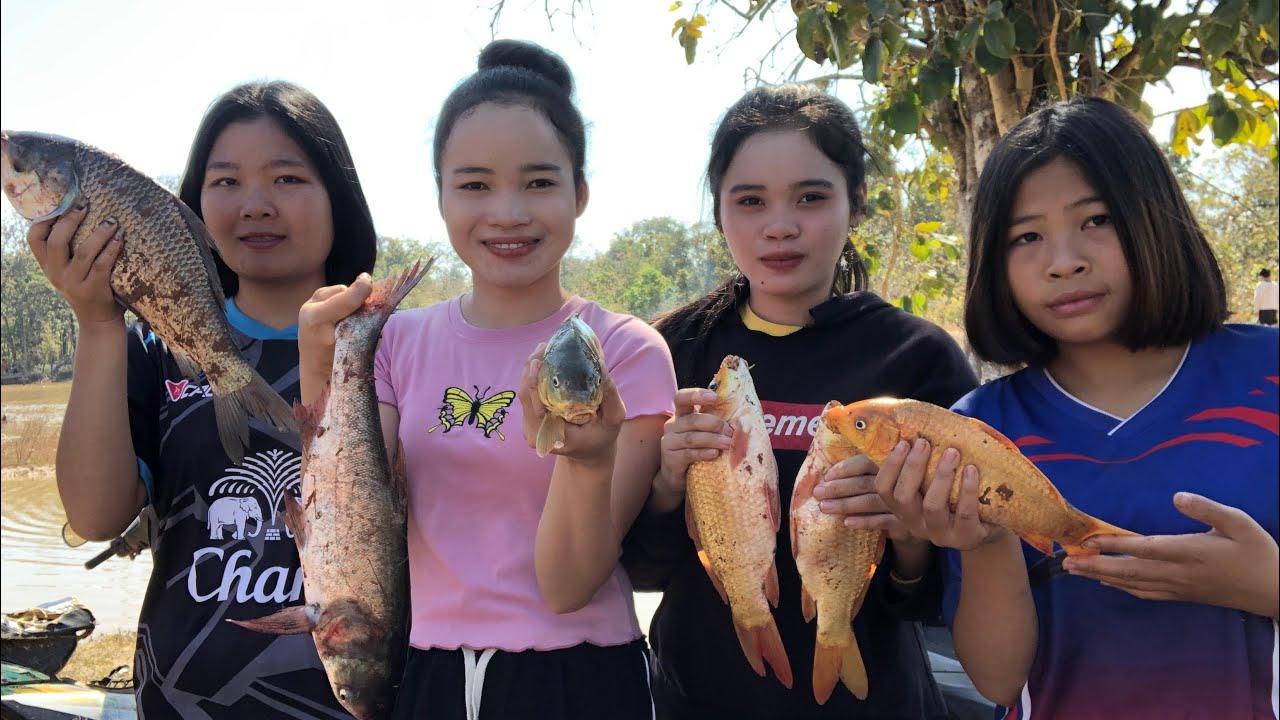 หว่านแหสระรวมของหมู่บ้าน คุ้มเกินคาดปลาตัวใหญ่มาก ຕຶກແຫໜອງລວມຂອງໝູ່ບ້ານ ໄດ້ປາໂຕບັກໃຫຍ່ຄຸ້ຄ່າສຸດໆ