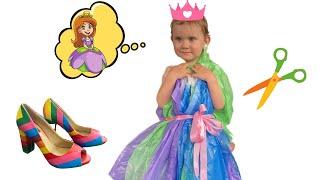 Полина и мама делают сами платья для вечеринки