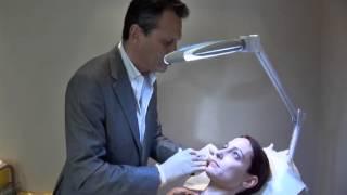 Séance de réduction de cernes par le dr Philippe Berard a my face clinic