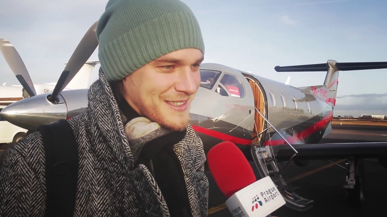 Magazín Terminál – Jak cestuje známý zpěvák Vojta Dyk