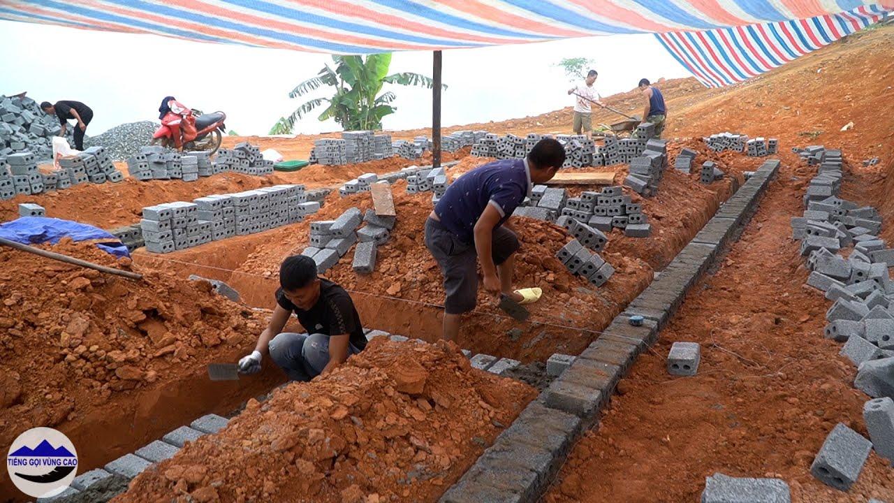 Team xây xong móng nhà em Mỷ - xe trở liên tục chạy mưa   Xây nhà em mỷ bị căn bệnh quoái ác ( T 7 )