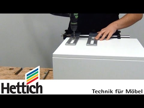 Montage von Möbelgriffen mit der Accura Bohrlehre für Griffe, von Hettich